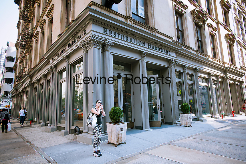 A Restoration Hardware home furnishings store is seen in the Flatiron neighborhood of New York on Monday, September 12, 2011. The retailer has filed for a $150 million IPO. (© Richard B. Levine)