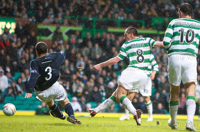 Scott Brown scores for Celtic