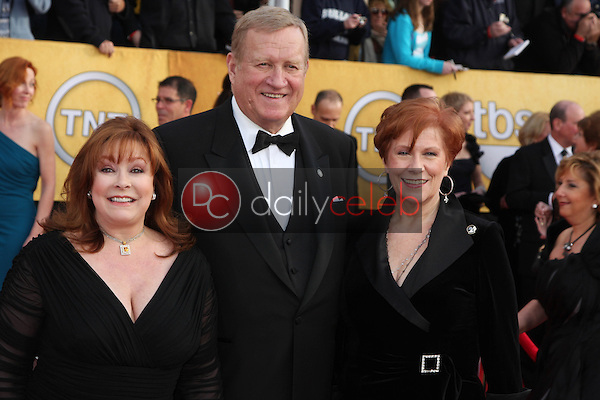 LOS ANGELES - JAN 30:  Ken Howard arrives at the 2011 Screen Actors Guild Awards  at Shrine Auditorium on January 30, 2011 in Los Angeles, CA