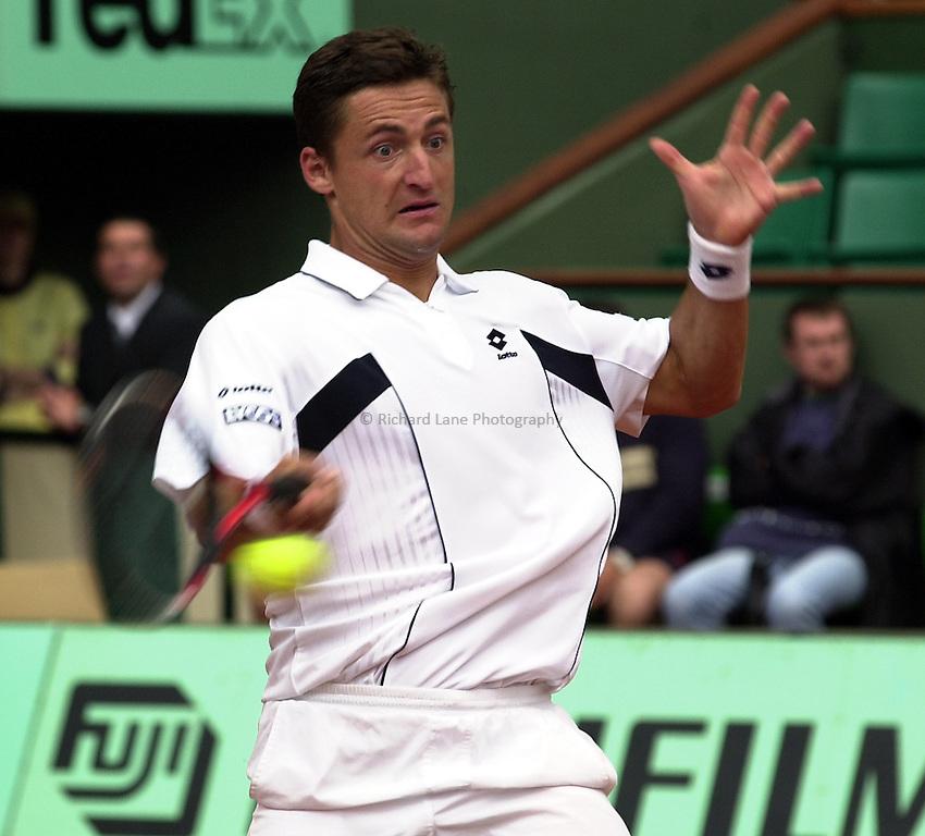 Photo. Richard Lane. .Roland Garros 2002, French Open Tennis. 27/5/2002.Andre Gaudenzi of Italy