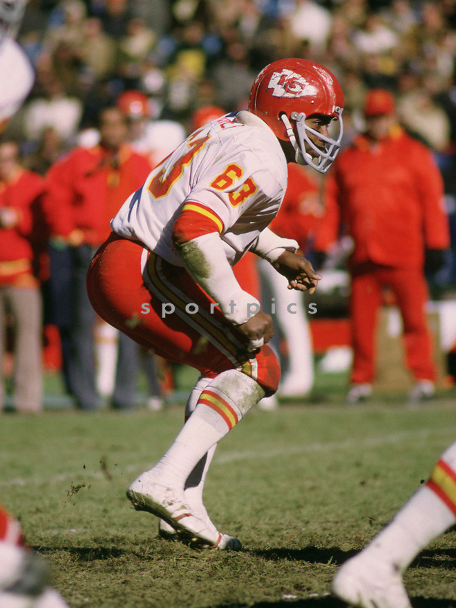 Kansas City Willie Lanier (62) during a game from his 11972 season with the Kansas City Chiefs. Willie Lanier played for 11 years, all with the Kansas City Chiefs, was a 8-time Pro Bowler and was inducted into the Pro Football Hall of Fame in 1986.(SportPics)