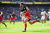 Duncan Taylor of Saracens runs in a first half try. Aviva Premiership Final, between Saracens and Exeter Chiefs on May 28, 2016 at Twickenham Stadium in London, England. Photo by: Patrick Khachfe / JMP