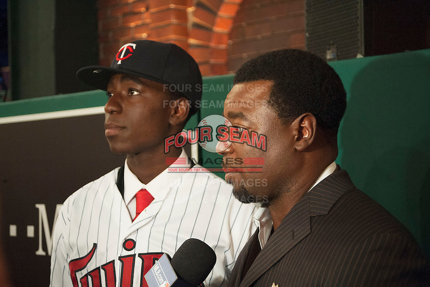 Infielder Nick Gordon (Olympia H.S. (FL)) the number 5 overall pick to the Minnesota Twins with his Father, former Major league pitcher Tom (Flash) Gordon during the MLB Draft on Thursday June 05,2014 at Studio 42 in Secaucus, NJ.   (Tomasso DeRosa/ Four Seam Images)