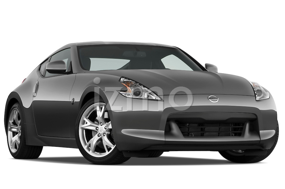 Low aggressive passenger side front three quarter view of a 2009 Nissan 370 Z Touring Coupe.