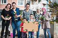 2016 07 12 Syrian migrants thank local people for welcoming them, Aberystwyth, Wales, UK