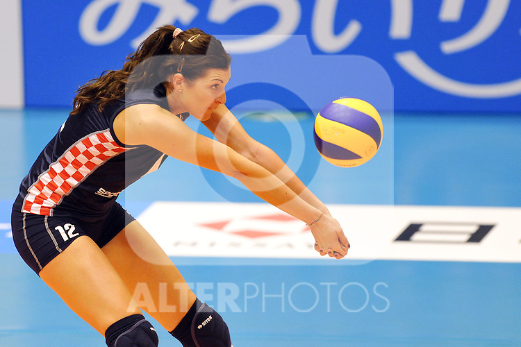 30.10.2010, Matsumoto City Gymnasium, Matsumoto, JPN, Volleyball Weltmeisterschaft Frauen 2010,  Kroatien ( CRO ) vs. USA, im Bild Senna Usic Jogunica (#12 CRO). Foto © nph / Kurth