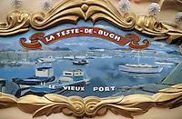 Europe/France/Aquitaine/33/Gironde/Bassin d'Arcachon/Arcachon/Le Moulleau: Détail du décor d'un manège représentant le port ostréïcole de la Teste-de-Buch