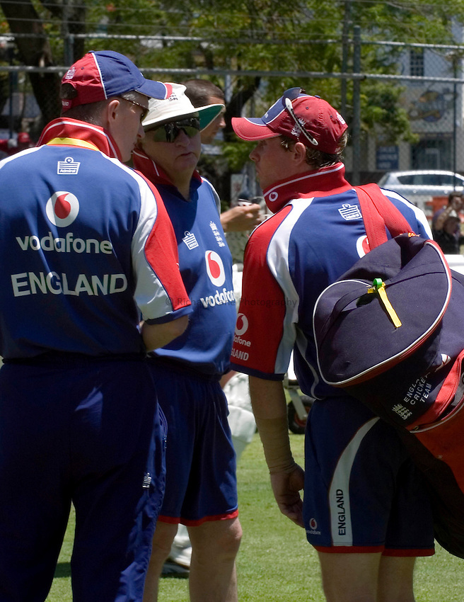 Photo: Steve Holland..England training at the Gabba. 22/11/2006..England's Ian Bell during training.