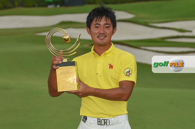New champion, Takumi KANAYA (JPN) with the trophy for winning the Asia-Pacific Amateur Championship, Sentosa Golf Club, Singapore. 10/7/2018.<br /> Picture: Golffile | Ken Murray<br /> <br /> <br /> All photo usage must carry mandatory copyright credit (© Golffile | Ken Murray)