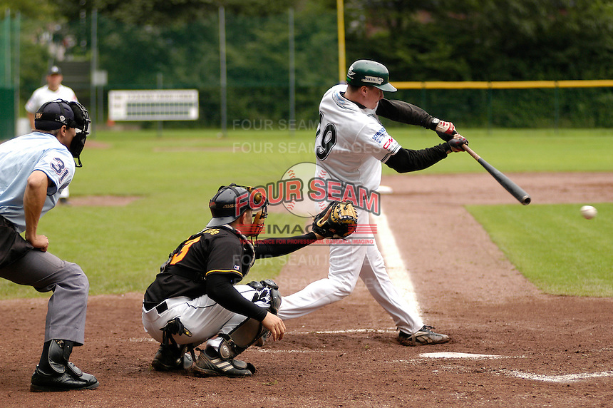 August 20, 2005:  New York Mets International Singing Kai Gronauer at bat while playing amateur baseball in Germany.  Gronauer, a catcher, signed with the Mets in 2008.  Photo By Gregor Eisenhuth/Four Seam Images