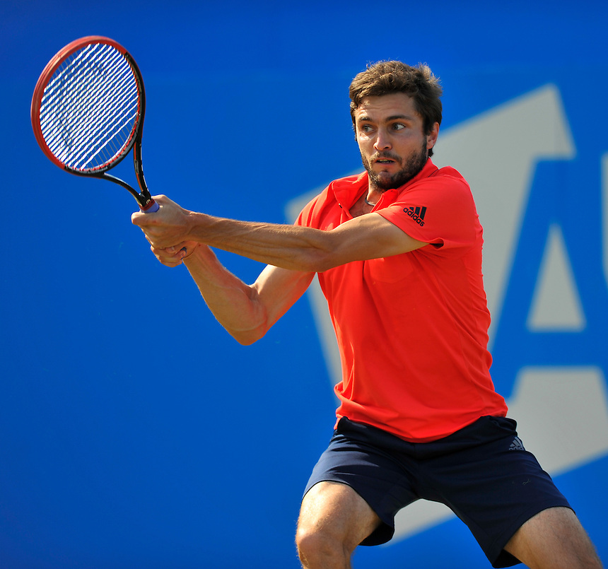 Gilles Simon (FRA) in action today during his victory over Milos Raonic (CAN) in their Men&rsquo;s Singles Quarter Final match - Gilles Simon def Milos Raonic 4-6, 6-3, 7-5<br /> <br /> Photographer Ashley Western/CameraSport<br /> <br /> Tennis - ATP 500 World Tour - AEGON Championships- Day 5 - Friday 19th June 2015 - Queen's Club - London <br /> <br /> &copy; CameraSport - 43 Linden Ave. Countesthorpe. Leicester. England. LE8 5PG - Tel: +44 (0) 116 277 4147 - admin@camerasport.com - www.camerasport.com