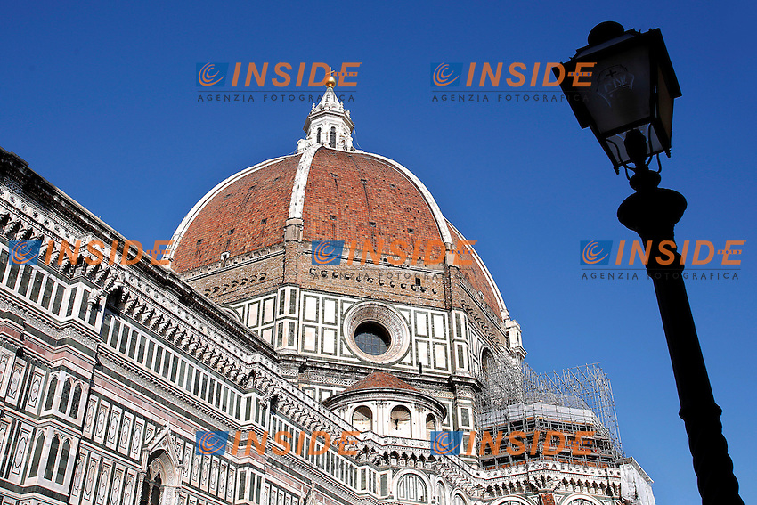 Il Duomo, Santa Maria del Fiore con il campanile di Giotto<br /> The Cathedral, Saint Mary of the flower and Giotto campanile<br /> Firenze 07-10-2016. Luoghi e Monumenti della citta'. <br /> Florence 7th October 2016. Places and monuments of the city.<br /> Foto Samantha Zucchi Insidefoto