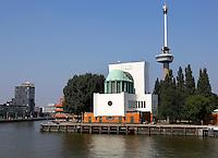 Ventilatiegebouw van de maastunnel in Rotterdam, aan de noordkant. Art Deco stijl, Op de achtergrond de Euromast