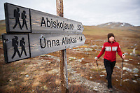 Distance maker sings at Alesjaure mountain hut, Kungsleden trail, Lappland, Sweden