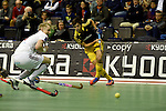 Berlin, Germany, February 01: Tobias Hauke #13 of Harvestehuder THC tries to score during the 1. Bundesliga Herren Hallensaison 2014/15 final hockey match between Harvestehuder THC (black) and Rot-Weiss Koeln (white) on February 1, 2015 at the Final Four tournament at Max-Schmeling-Halle in Berlin, Germany. Final score 10-7 (6-5). (Photo by Dirk Markgraf / www.265-images.com) *** Local caption ***
