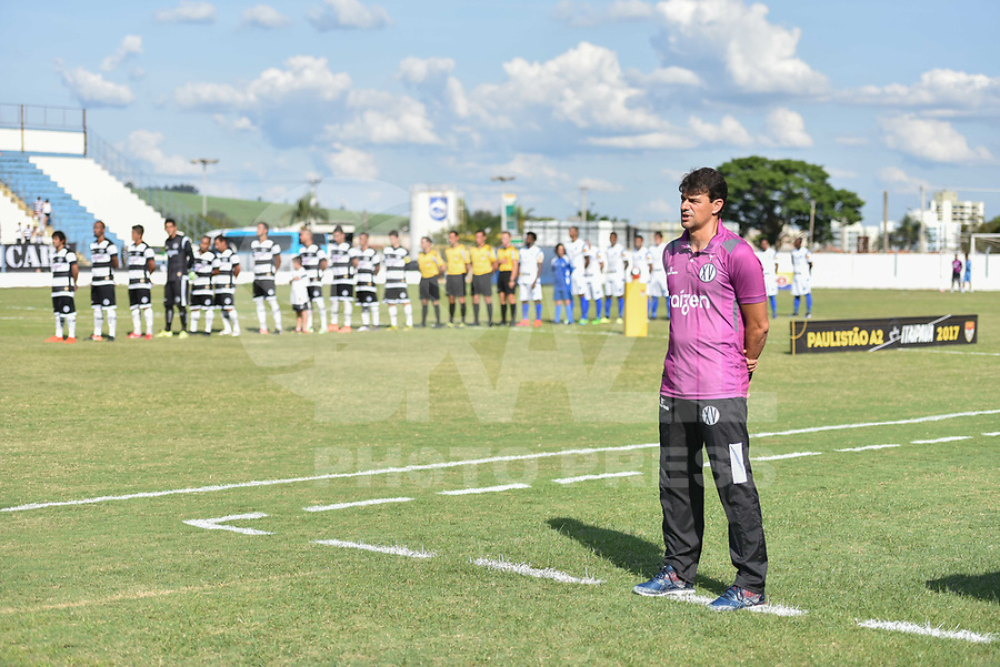 PIRACICABA,SP, 12.03.2017 - O técnico Ronaldo Guiaro do XV de Piracicaba, que estava atuando interinamente foi efetivado após o empate do time contra o Rio Claro, neste domingo 12. (Foto: Mauricio Bento/Brazil Photo Press)