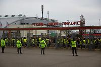 Fans warten auf den Einlass - 23.03.2018: Deutschland vs. Spanien, Esprit Arena Düsseldorf