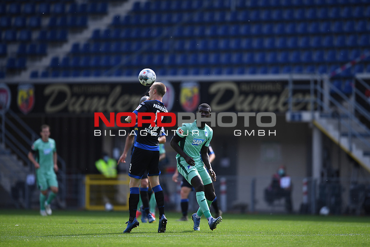 Sebastian Schonlau (SC Paderborn #13) gegen Ihlas Bebou (TSG 1899 #9), <br /><br />Foto: Edith Geuppert/GES /Pool / Rauch / nordphoto <br /><br />DFL regulations prohibit any use of photographs as image sequences and/or quasi-video.<br /><br />Editorial use only!<br /><br />National and international news-agencies out.