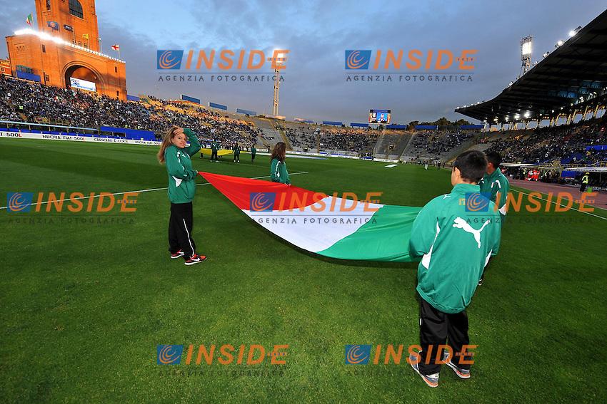 raccattapalle con bandiera Italia - Italian flag <br /> Bologna 31/5/2013 Stadio Comunale <br /> Football Calcio 2012/2013 Amichevole Friendly match<br /> Italia Vs San Marino 4-0 <br /> Foto Andrea Staccioli Insidefoto