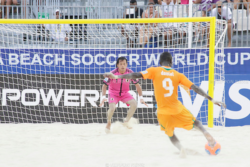 Shingo Terukina (JPN), SEPTEMBER 22, 2013 - Beach Soccer : FIFA Beach Soccer World Cup Tahiti 2013 Group D match between Japan 4-3 Cote d'Ivoire at Tahua To'ata Stadium in Papeete, Tahiti. (Photo by Wataru Kohayakawa/AFLO)