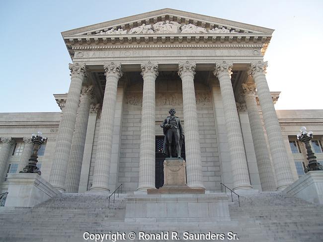 Sculpure of the third U.S president: Thomas Jefferson