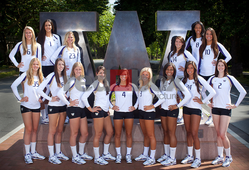 Top Row (l-r): Kaleigh Nelson, Amanda Gil, Anna Cesari, Kim Condie, Lauren Barfield, Evan Sanders.Bottom Row (l-r): Summer Ross, Krista Vansant, Gabbi Parker, Jenni Nogueras, Jenna Orlandini, Kelly Holford, Bianca Rowland, Kylin Muñoz, Kelcey Dunaway UW- Volleyball (Photo by Rob Sumner / Red Box Pictures)