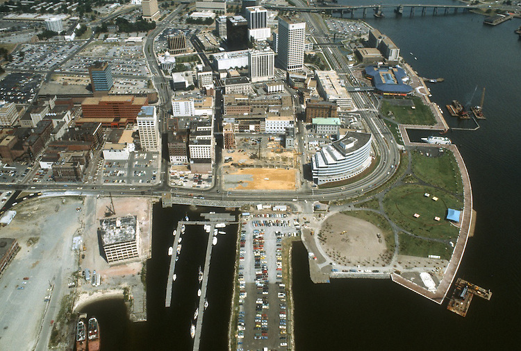 1983 JULY ..Redevelopment.Downtown West (A-1-6)..LOOKING  WEST.TOWN POINT PARK..NEG#.NRHA#..