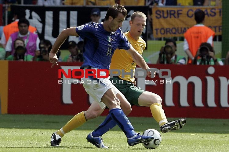FIFA WM 2006 -  Round of Sixteen - / Viertelfinale <br /> Play      #53 (26-Jun) - Italien - Australien<br /> <br /> GILARDINO-MOORE<br /> <br /> <br /> Foto &copy; nordphoto