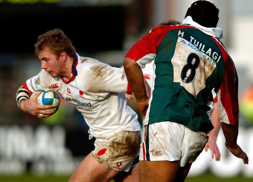 Photo: Richard Lane..Ulster Rugby v Leicester Tigers. Heinenken Cup. 11/01/2004..Roger Wilson attacks.