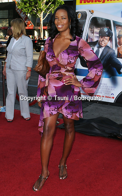 Jill Jones arriving at the Honeymooners Premiere at the Chinese Theatre in Los Angeles. June 8, 2005.