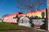 Milano, quartiere Niguarda, periferia nord. Murale antifascista dedicato a due staffette partigiane, Stellina Vecchio e Gina Galeotti Bianchi. Citazione di Piero Calamandrei --- Milan, Niguarda district, north periphery. Antifascist mural dedicated to two partisans dispatch rider,  Stellina Vecchio and Gina Galeotti Bianchi