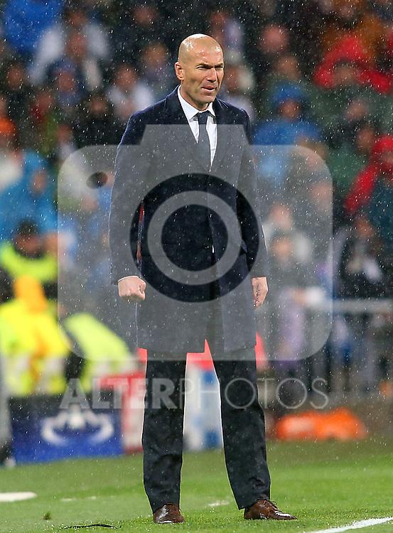 Real Madrid's coach Zinedine Zidane during Champions League 2015/2016 Quarter-finals 2nd leg match. April 12,2016. (ALTERPHOTOS/Acero)
