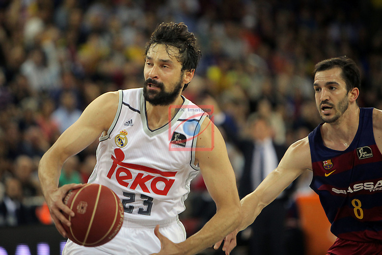 League ACB-ENDESA 2015/2016. <br /> Play-Off Final - Game 2.<br /> FC Barcelona Lassa vs Real Madrid: 70-90.<br /> Sergio Llull vs Pau Ribas.