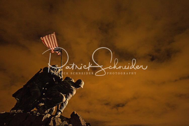 Night photograph of the Iwo Jima Memorial in Washington DC