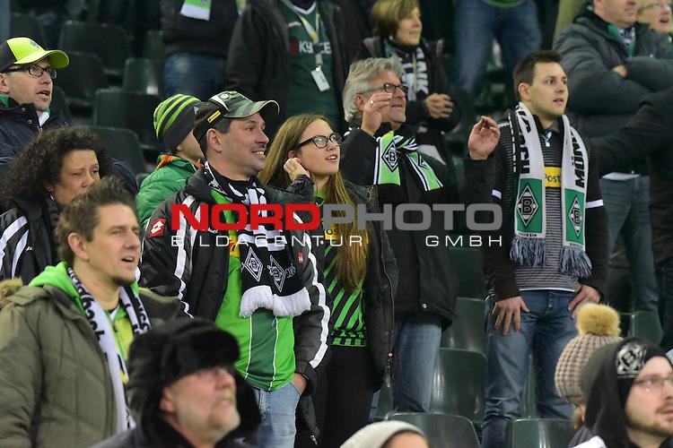 05.02.2016, Borussia-Park, Moenchengladbach, GER, 1.FBL.  Borussia Moenchengladbach vs Werder Bremen, im Bild feiernde Fans  auf der Seite der Moenchengladbacher <br /> <br /> <br /> <br /> <br /> Foto &copy; nordphoto / Meuter