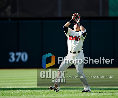 5 September 2009: Cleveland Indians' shortstop Asdrubal Cabrera pulls in an infield fly against the Minnesota Twins at Progressive Field in Cleveland, Ohio. The Indians fell to the Twins 4-1 in the second game of their three-game weekend series. Mandatory Credit: Ed Wolfstein Photo