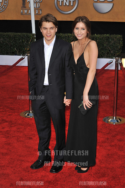 Emile Hirsch & Brianna Domont at the 15th Annual Screen Actors Guild Awards at the Shrine Auditorium, Los Angeles..January 25, 2009  Los Angeles, CA.Picture: Paul Smith / Featureflash