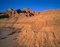 SDBD_003 - USA, South Dakota, Badlands National Park, Evening light defines bands in eroded, sedimentary layers, North Unit.