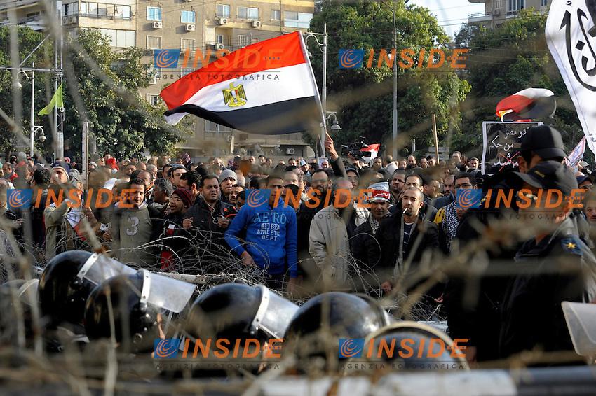 Manifestazione antigovernativa davanti il palazzo presidenziale.1/2/2013 Il Cairo Egitto.Foto Franck Pennant / PANORAMIC / Insidefoto.ITALY ONLY