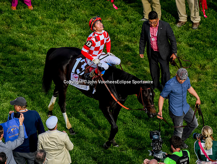 May 3, 2019 : Jose L oOrtiz after winning the Longines Kentucky Oaks aboard Serengeti Empress, #13, on Kentucky Oaks Day at Churchill Downs on May 3, 2019 in Louisville, Kentucky. John Voorhees/Eclipse Sportswire/CSM