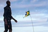 RIO DE JANEIRO; RJ; 29 DE MARÇO 2013 - Usain Bolt treina na praia de Copacabana durante a tarde desta sexta-feira visando o record dos 150m que tentará bater no próximo domingo. FOTO: NÉSTOR J. BEREMBLUM - BRAZIL PHOTO PRESS.