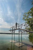 sul lago di Pusiano, in provincia di Como, si trova una piccola isola, l'isola dei cipressi, di propriet&agrave; della famiglia Gavazzi, e gestita dalla Fondazione Gavazzi. Sull'isola dei cipressi esistono molte speci di flora e di fauna.<br /> E' raggiungibile con un battello elettrico &quot;Vago Eupili&quot;