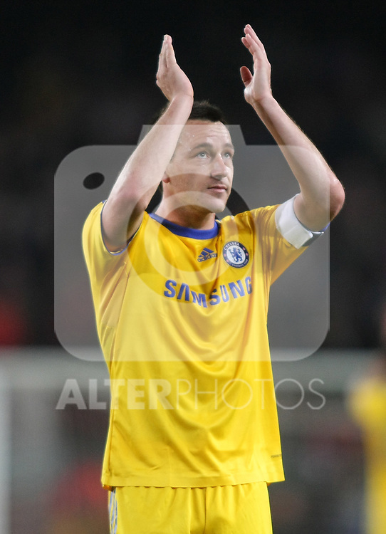 Chelsea's John Terry wave to the supporters after the UEFA Champions League match.April 28 2009. (ALTERPHOTOS/Acero).