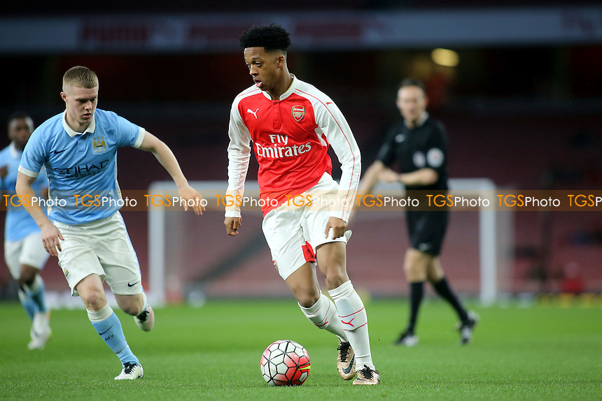 Chris Willock of Arsenal takes on the Manchester City defence during Arsenal Youth vs Manchester City Youth, FA Youth Cup Football at the Emirates Stadium on 4th April 2016