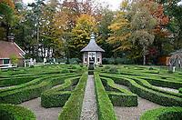 Buxustuin in het Openluchtmuseum te Arnhem