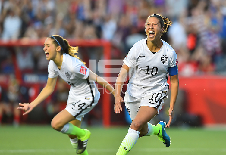 Ottawa, Canada - Friday, June 26, 2015: The USWNT go up 1-0 over China PR in Quarter-Final action during FIFA Women's World Cup 2015 at Landsdowne Stadium.