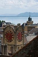 Europe/Suisse/Jura Suisse/ Neuchatel: Europe/Suisse/Jura Suisse/ Neuchatel:  Le Lac de Neuchâtel et la Tour de Diesse et son horloge,  vus depuis l'esplanade du Château