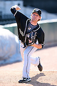 April 17, 2009:  Pitcher Josh Fields (28) of the West Tenn Diamond Jaxx, Southern League Class-AA affiliate of the Seattle Mariners, during a game at the Baseball Grounds of Jacksonville in Jacksonville, FL.  Photo by:  Mike Janes/Four Seam Images