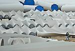 Wind turbines are seen in a campaign of Gamesa in Miranda de Ebro, near Burgos before installation, on March 28, 2011. Wind energy is an abundant, renewable, clean and helps reduce emissions of greenhouse gases from power plants to replace fossil fuel-based. (c) Pedro ARMESTRE.Aerogeneradores se ven el 28 de marzo de 2011, en una campa de Gamesa en Miranda de Ebro, cerca de Burgos , antes de  instalación. La energía eólica es un recurso abundante, renovable, limpio y ayuda a disminuir las emisiones de gases de efecto invernadero al reemplazar termoeléctricas a base de combustibles fósiles, lo que la convierte en un tipo de energía verde. (C) Pedro ARMESTRE