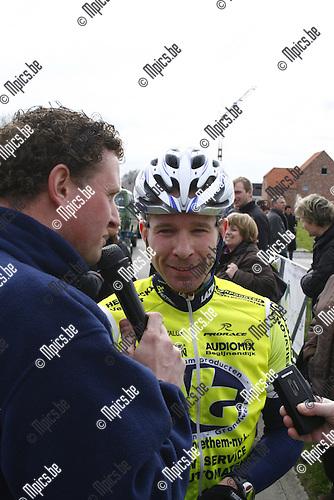 2010-04-05 / wielrennen / Retie / Elite z.c. / Evert Verbist na zijn overwinning.